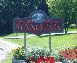 Welcome to Manotick sign 2005.jpg