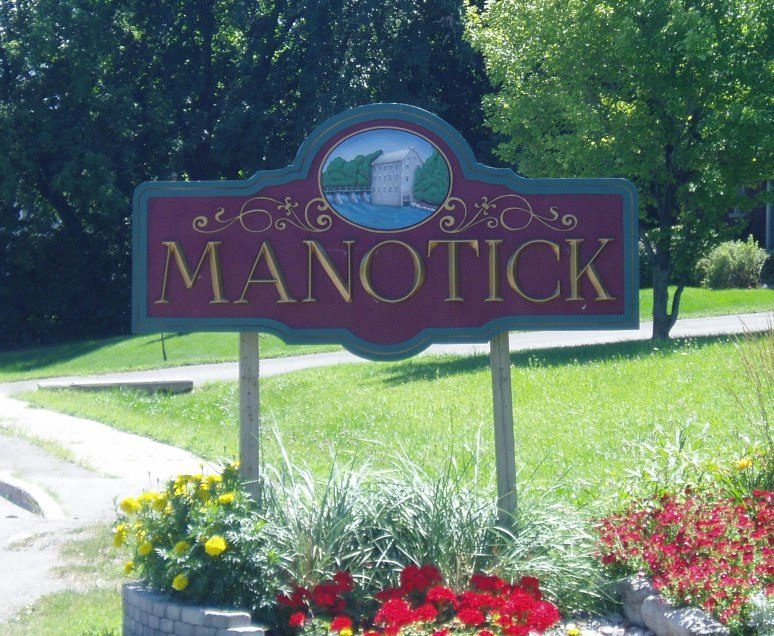 Welcome to Manotick sign 2005