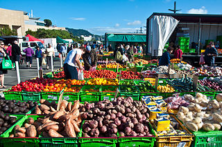 Wellington Market By Phillip Capper from Wellington, New Zealand (Wellington Market, New Zealand, 13 Dec. 2009) [CC-BY-2.0 (https://creativecommons.org/licenses/by/2.0)], via Wikimedia Commons