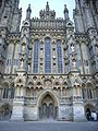 Wells cathedral west close 1.JPG