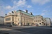 Wiener Staatsoper vs Kärntnerstraße 3.jpg