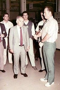 Wiki Joseph Lewin with the Pri-minister Itzchak Shamir