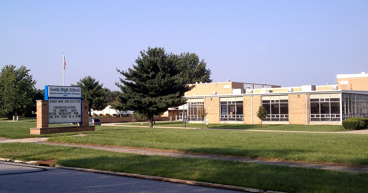 South High School (Willoughby, Ohio) - Wikipedia