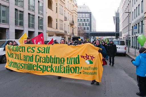 """""""Nein zu Landgrabbing und Nahrungsmittelspekulation"""" Demo 19.1.2013"""