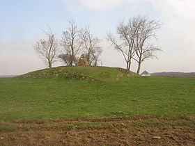 Wite Mountain - the tumulus.JPG