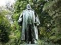 Wuppertal - Barmer Anlagen - Friedrich Emil Rittershaus-Denkmal 04 ies.jpg