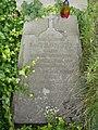 Zabytkowe groby na cmentarzu w Jazgarzewie k. Piaseczna (15).jpg