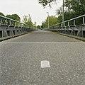 Zicht op de voormalige spoorbrug, dwarsprofiel - Waalwijk - 20396356 - RCE.jpg
