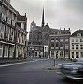 Zicht op het Janskerkhof met de Sint Willibrorduskerk op de achtergrond - Utrecht - 20383207 - RCE.jpg