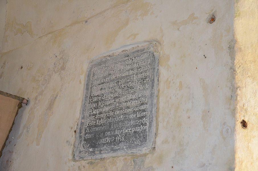 Plaque funéraire en l'église Saint-Martin d'Éculleville.