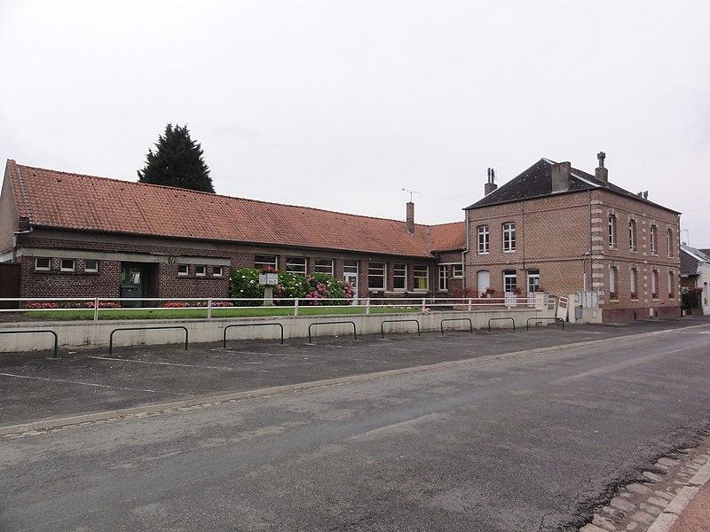 Étaves-et-Bocquiaux (Aisne) école et mairie