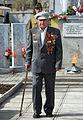 Ветеран возле вечного огня.jpg