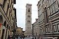 """Кампанила Джотто, вид с площади """"Дуомо"""" - panoramio.jpg"""