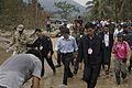 นายกรัฐมนตรี ตรวจเยี่ยมสถานที่ที่ได้รับความเสียหาย ณ - Flickr - Abhisit Vejjajiva (3).jpg