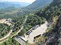 绝壁栈道上看景星崖停车场 - panoramio.jpg