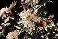 铜镀金镶嵌料石累丝长方盆玉石菊花盆景细节1.jpg