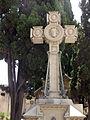 036 Cementiri del Poblenou, tomba Pascual, creu.jpg