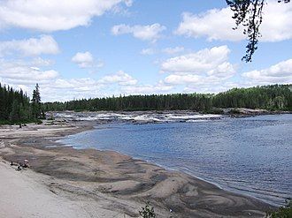 Mistassini River - Image: 07 07 31 9e chute