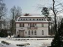 Villa mit Pförtnerhaus