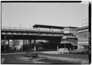 166TH ST. STATION, GENERAL VIEW WEST ON 166TH ST. TO STRUCTURE. - Interborough Rapid Transit Company, Third Avenue Elevated Line, Borough of the Bronx, New York, New York County, HAER NY,3-BRONX,13-32.tif