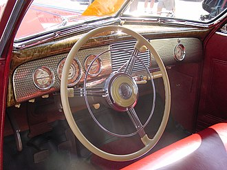 Engine turning - A 1940 Buick Super Convertible Coupe with the engine-turned pattern on the dashboard panels used by Buick in 1940 and 1941