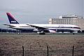 196as - Delta Air Lines Boeing 777-232ER, N866DA@CDG,23.11.2002 - Flickr - Aero Icarus.jpg