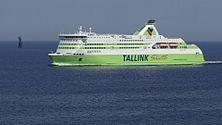 2008 05 11 Tallinnamadala tuletorn ja Tallink Star.jpg