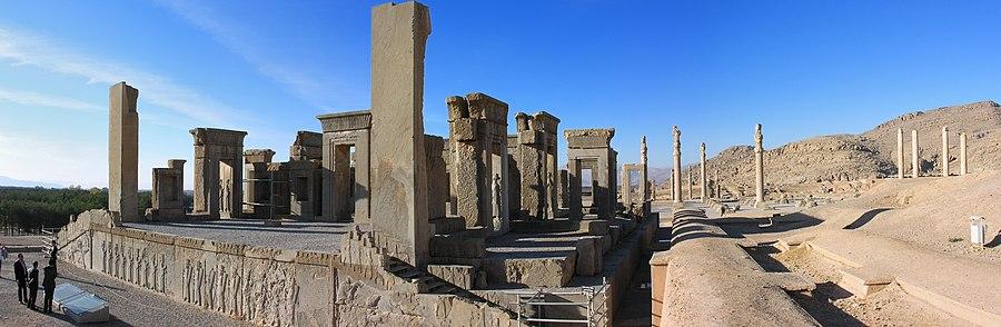 [تصویر:  900px-2009-11-24_Persepolis_02.jpg]