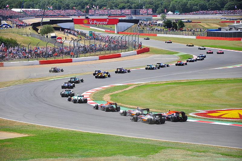 File:2010 British GP start.jpg