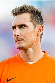 Первый немецкий футболист сыгравший за германию 100 матчей