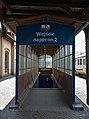 2016 Dworzec kolejowy w Strzelinie, zejście do tunelu 3.jpg