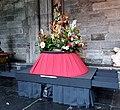 2018 Maastricht Heiligdomsvaart, reliekentoning Onze-Lieve-Vrouwebasiliek, voorbereiding 05.jpg
