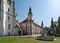2019 Klasztor w Henrykowie 1.jpg
