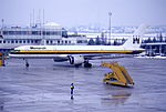 204al - Monarch Airlines Boeing 757-2T7, G-MONB@SZG,25.01.2003 - Flickr - Aero Icarus.jpg