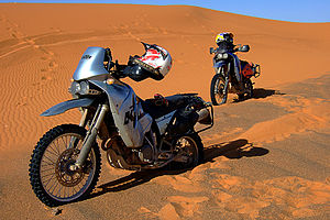 2 KTM 640 LC4 Adventure in the desert