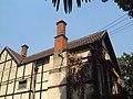 A tudor style villa - panoramio.jpg