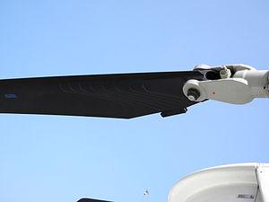 Agusta-Bell AB-206B JetRanger III, rotor blade detail (2) (PS-67) Polizia di Stato, Italy.JPG