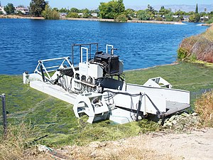 English: Algae harvester Made in San Jose, Cal...