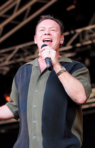 File:Ali Campbell at Raggamuffin 2009 cropped.jpg