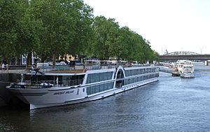 Amadeus Brilliant (ship, 2011) 004.jpg