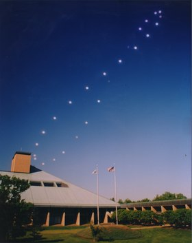 Analemma - Wikipedia