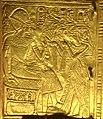 Ankhesenamun offering lotus to seated King.jpg