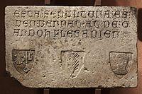 Anonyme français - Epitaphe de Bernat at de Gardoh - Musée des Augustins - RA 586.jpg