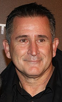 Anthony LaPaglia crop (cropped).jpg