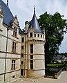 Azay-le-Rideaux Château d'Azay-le-Rideau Ostseite Türmchen 1.jpg