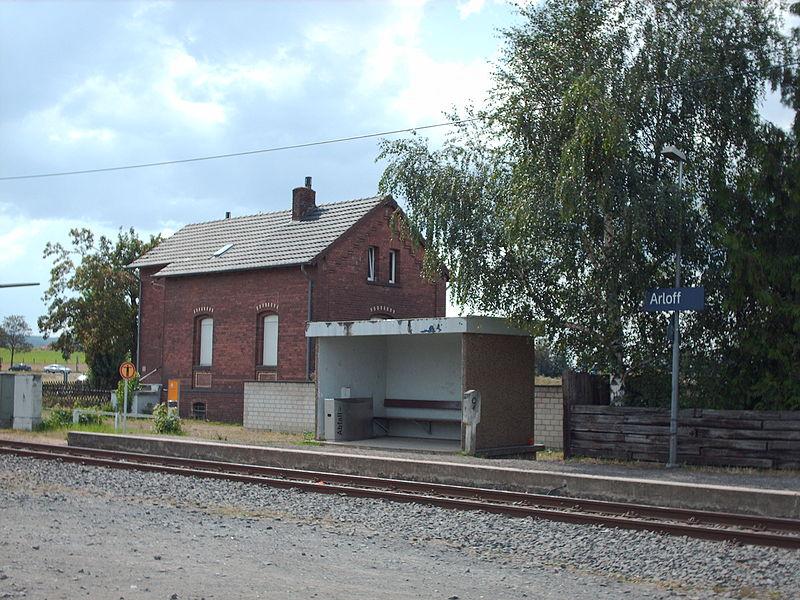 Bahnhof Arloff (cc by-sa Wikipedia/Stefan Flöper)