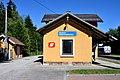 Bahnhof Neuhaus-Niederwaldkirchen Aufnahmegebäude.JPG