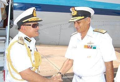 Bangladeshi Vice Admiral Ahmed received by Vice Admiral Lanba