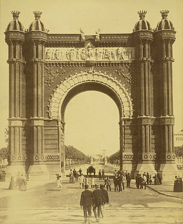 Barcelona. Triumphal Arch of the Exposition.jpg