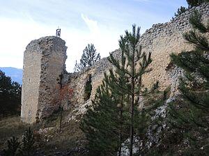 Barisciano - View of the Castle of Barisciano.